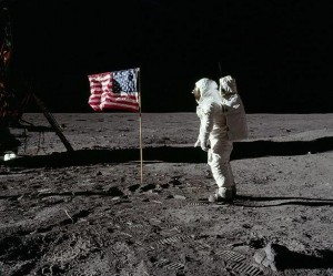 apollo_man-on-moon-_-American-flag
