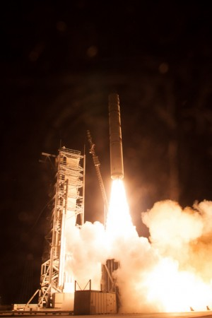 ladee-moon-spacecraft-liftoff-sept-6th-2013
