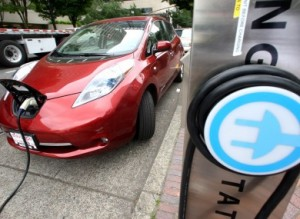 Nissan-Leaf-plug-in