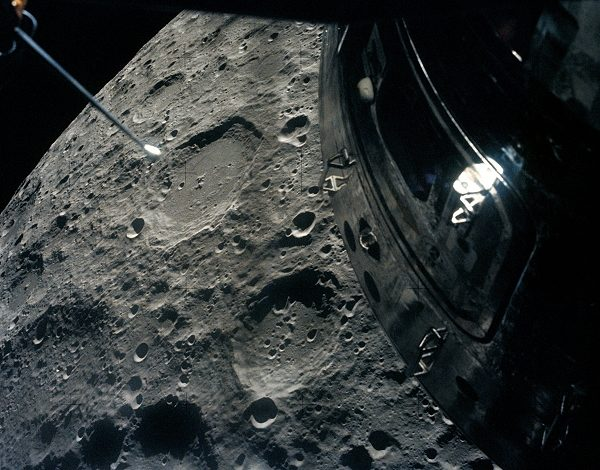 Apollo 13 passing the moon