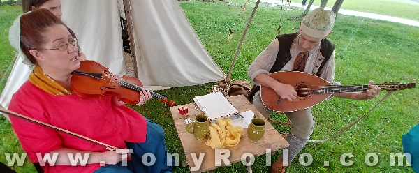 Bledsoe-Colonial-Fair-2018-colonial-musician-family-minstrels-2