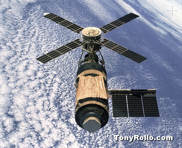 Skylab in low orbit 1970s