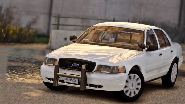 Ford Crown Victoria Police Interceptor is a fun car